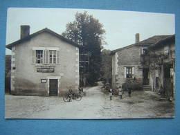 LA GENEYTOUSE - LA POSTE ET LA SORTIE DU BOURG - Francia