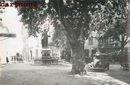 PHOTOGRAPHIE ANCIENNE : BESSE-SUR-ISSOLE PLACE ALEXANDRE SOULEYET AUTOMOBILE - Besse-sur-Issole