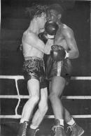 GRANDE PHOTO COMBAT DE BOXE  ARTHUR  KING CONTRE TERRY MCGOVERN  1949  FORMAT  18.5 X 12 CM - Sports
