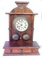 SUPERBE HORLOGE MURALE DE 1827. 40 CENTIMETRES DE HAUT. EN ETAT COMPLET DE FONCTIONNEMENT. - Horloges