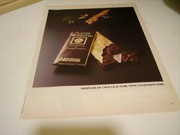 ANCIENNE PUBLICITE CHOCOLAT NESTLE 1980 - Affiches