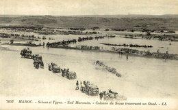 Scènes Et Types Du MAROC Sud Marocain COLONNE DU SOUSS Traversant Un Oued - Marruecos