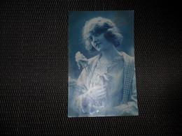 Femme ( 358 )  Vrouw  Bleuet - Femmes