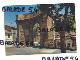 CPM - ISTRES (13) Portail D'Arles (coiffure, Voiture, Boite Aux Lettres, Affiches...) - Istres