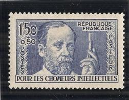 - N 332 Chomeurs Intellectuels -  Pasteur  - Côte 50.00€ ** - France