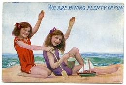COMIC : WE ARE HAVING PLENTY OF FUN (GIRLS ON THE BEACH) - Comics