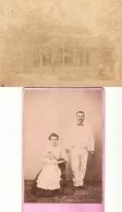 Lot De 2 Photographies Anciennes D'Indochine, Portrait De Famille Par Shun-Ky à Haï Phong/Haïphong + Maison, C. 1890 - Places