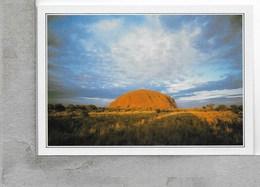 CARTOLINA NV DE AGOSTINI - AUSTRALIA - Territorio Del Nord - Il Monolito Di Ayers Rock - Vedute Dal Mondo - 10 X 15 - Australia