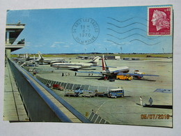 CP 94 ORLY - L'aire De Stationnement Des Avions  à L'aéroport De PARIS ORLY - Voiture Combi Fourgon Volkswagen Lufthansa - Aerodrome