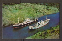 Panama Canal - 2 Ships Passing In The Culebra Cut - Unused 1960s - Panama