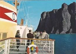 Norvège - Norway - Norge - Hurtigruta Passerer Nordkapp 71°10'21'' - The Express Coastal Liner Passing The North Cape - Norvège