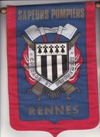 Rare Fanion Grand Format Des Pompiers De Rennes Ille Et Vilaines - Firemen
