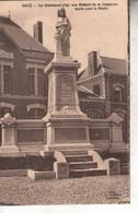 02B02A1 CPA 02 - BOUE  LE MONUMENT ERIGE AUX ENFANTS DE LA COMMUNE MORTS POUR LA PATRIE    1932 - Autres Communes