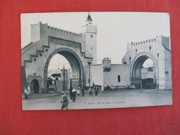 Tunisia  Porte Bab El Khadra--ref 2950 - Tunisia