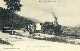 VALLEE  DE  CELLES (Vosges) -- ARRET  DU  TRAIN  à  LA  SCIERIE  LAJUS - Frankrijk
