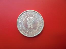 """CÔTE-D'IVOIRE 10 FRANCS """"ELEPHANT"""" 1966 ARGENT RARE ! COTE :55 $ - Ivory Coast"""
