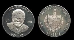 ERNEST HEMINGWAY . 5 PESO 1982 . - Cuba
