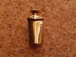Pin's   -  PARFUM TOPAZE - Perfume