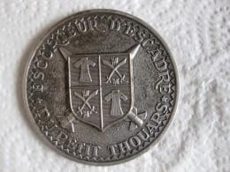 Médaille Escorteur D'Escadre DU PETIT THOUARS - Army & War