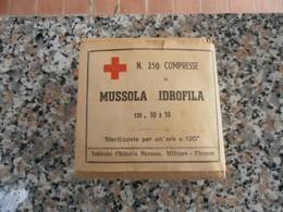 MATERIALE PRONTO SOCCORSO CORPO DI SANITA' BENDAGGI MUSSOLA IDROFILA - Equipement
