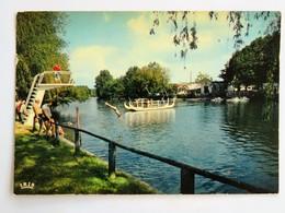 C.P.A. 24 PERIGUEUX, BARNABE PLAGE : Camping Jeux Nautiques, Animé, Timbre En 1974 - Périgueux