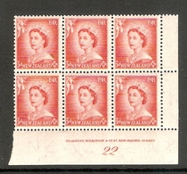 001644 New Zealand 1954 3d Plate Block 22 MNH - Blokken & Velletjes