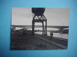PHOTOGRAPHIE   CONFLANS   -  78  -  Fin D'Oise  -  7 X 9,2  Cms  -  1964  - Yvelines ( Glaçage Avec Plis ) - Conflans Saint Honorine