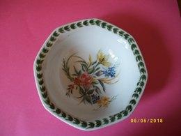 Petite Coupe En Céramique Allemande - Ceramics & Pottery