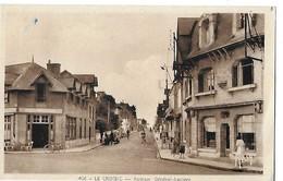 LE CROISIC .N 406  AVENUE GENERAL LECLERC   CAFE   PERSONNAGES      DEPT 44 - Le Croisic