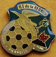 CC 237  ... ...ILE DE LA REUNION......département Français De L'océan Indien...VILLE DE   SAINT PIERRE - Pin's