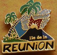 CC 238  ... ...ILE DE LA REUNION......département Français De L'océan Indien... - Pin's