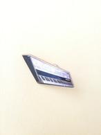 Pin Strumento Musicale Pianoforte - P648 - Musica