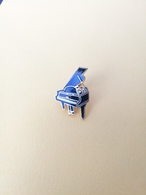 Pin Strumento Musicale Pianoforte - P650 - Musica