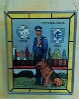 Vitrail 16,5/20,5 Cm, Garde De Sécurité Intergarde, Avec Berger Allemand,  1959-1984 - Verre & Cristal