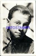 93439 ARTIST MICKEY ROONEY US 1920 - 2014 ACTOR CINEMA MOVIE THEATER TV POSTAL POSTCARD - Entertainers