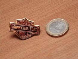 JOHNNY HALLYDAY. ROCK ROLL. - Celebrities