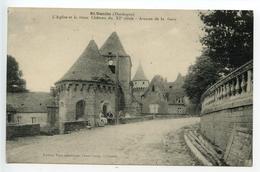 Saint Geniès L'église Et Le Vieux Château - France