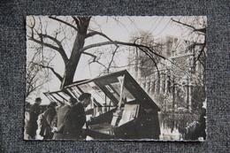 PARIS - Les Bouquinistes Du Quai MONTEBELLO - Ambachten In Parijs