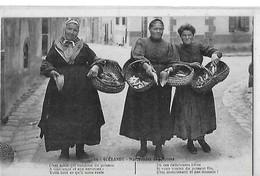 GUERANDE  N 15 MARCHANDES DE POISSONS 3 FEMMES GROS PLAN      DEPT 44 - Guérande