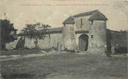 CHAZELLES SUR LYON - Ancienne Ferme Fortifiée De Belle Croix. - Sonstige Gemeinden