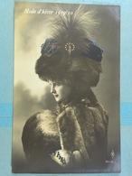 Femme à Chapeau Mode D'hiver 1909/10 Fourrure - Mujeres