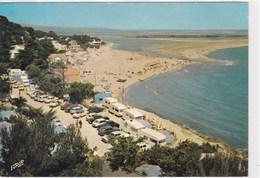 La Franqui Plage Et Camping Domino Camping Sauvage Et Nombreuses Voitures Caravane Sur Bord De Plage - Autres Communes