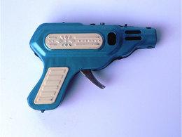 PISTOLET SPARKING PISTOL MF-601 CHINA FRICTION TIN TOY SPACE GUN - Toy Memorabilia