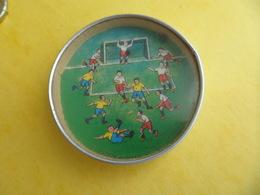 Jeu Ancien Avec Miroir - 1 Bille Sport Football à Faire Rentrer Dans Un Trou Placé 5,5sur Le Gardien - Toy Memorabilia