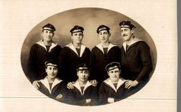 CPA Photographie D'un Groupe De Marins De Formation De Lorient - Régiments