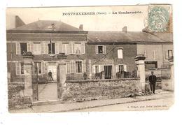 CPA 51 PONTFAVERGER La Gendarmerie Gendarmes Chevaux Bâtiment - France