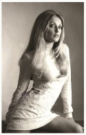 Sexy SHARON TATE Actress PIN UP PHOTO Postcard - Publisher RWP 2003 (15) - Artistes