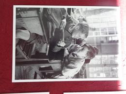 CPM ROBERT DOISNEAU L'HARMONICA 1938 - Doisneau