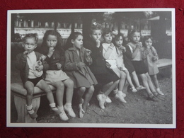 CPM ROBERT DOISNEAU LE BANC DE PIERRE 1945 - Doisneau