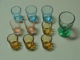 Verres à Liqueur Anciens Orange, Rose, Bleu ,vert  Lot De 10  TBE - Glasses
